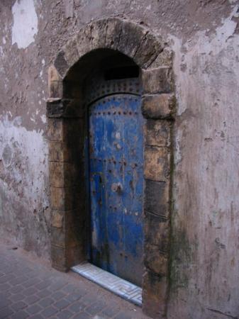 เมดินาแห่งเอสซาวีรา: Eine von zehntausend wunderschönen Türen in Marokko.