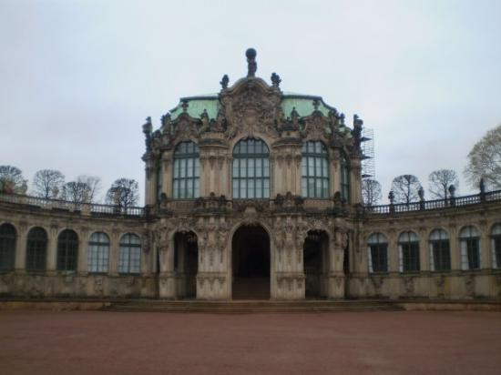 Zwinger: Swinger Palace in Dresden