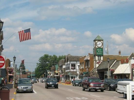 Minocqua (WI) United States  city photo : Minocqua Photo: Downtown Minocqua, with Clock Tower Centre in the ...