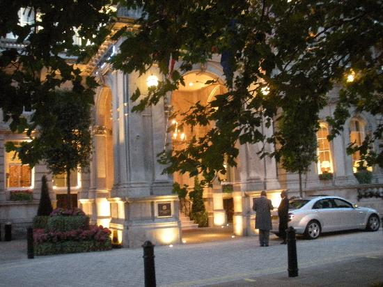 The Langham, London: Entrance at night