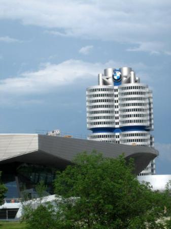 พิพิธภัณฑ์บีเอ็มดับเบิลยู: BMW