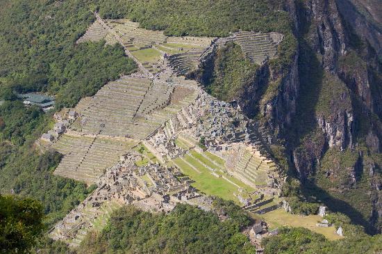 Huayna Picchu: Vista a Machu Picchu