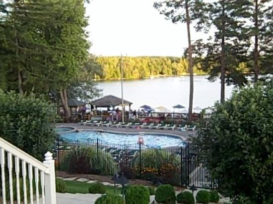 Victorian Village Resort: Pook and Lake at sunset