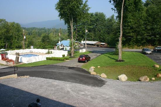 Studio Motel of Lake George: Veduta dal balcone
