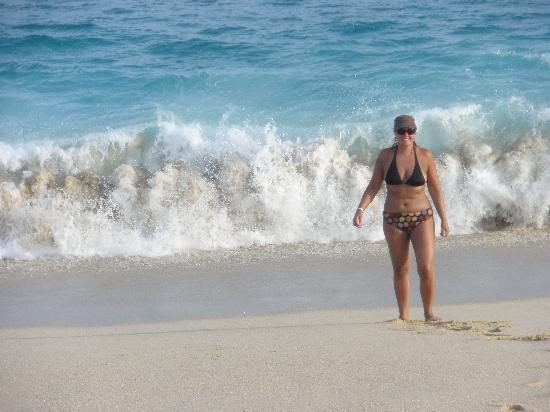 Hotel Riu Palace Cabo San Lucas: Strong waves