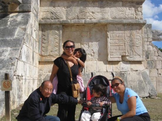 พีระมิดคูคูลกัน: Chichen Itza, Mexico