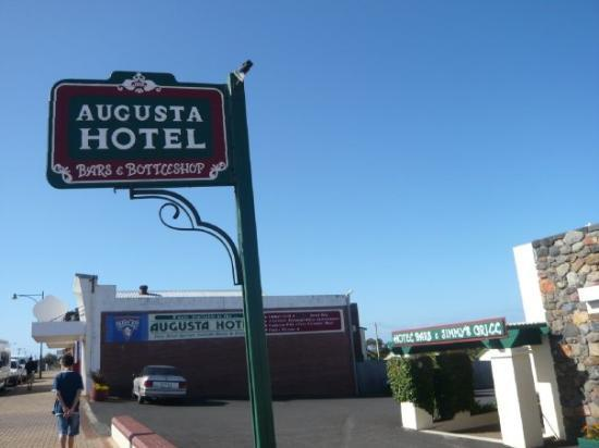 Augusta Hotel Motel: Our stay in Augusta.