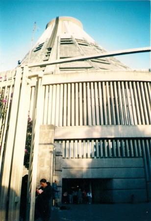 Basilica de Santa Maria de Guadalupe: Basilica de Guadalupe