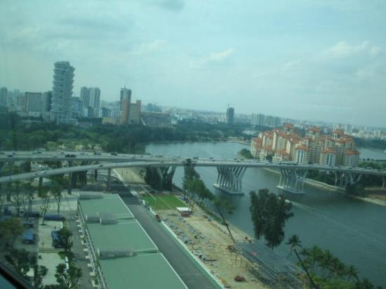 สิงคโปร์ฟลายเยอร์: View from Singapore Flyer, 16 Juli 2009