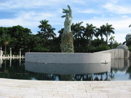 Holocaust Memorial - Miami Beach