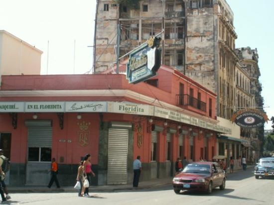 Restaurante Floridita: This is where Ernest Hemmingway used to drink his Daiquiri's.