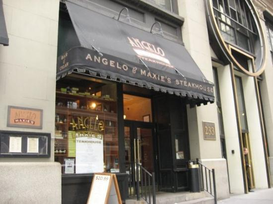 Angelo & Maxie's: Angelo and Maxie´s Steakhouse yksi monista ravintoloista, joissa tarjottiin lamamenuuta: 35 taal