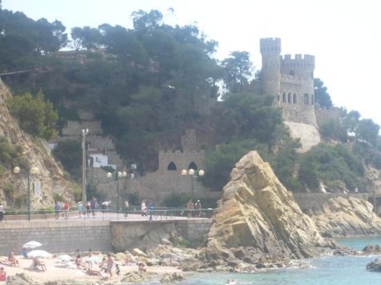 Lloret Beach: castle in lloret de mar...