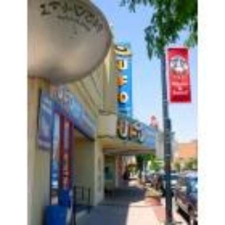 รอสเวลล์, นิวเม็กซิโก: my home town, Roswell, NM  tourist attraction: UFO Festival  July 3-8, 2009
