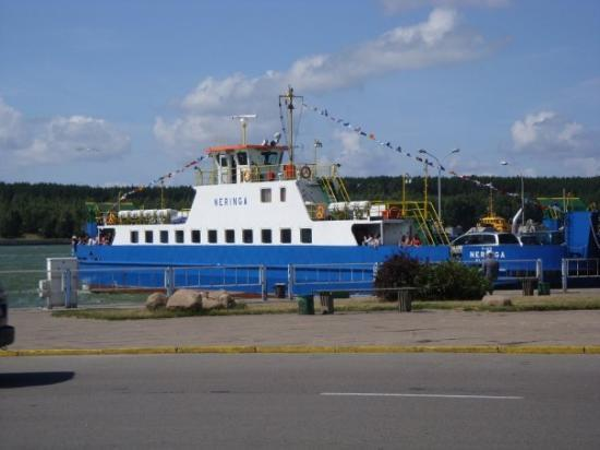 Nida, ลิทัวเนีย: The ferry took only 10 minutes from the port in Klaipeda to the Curonian Spit