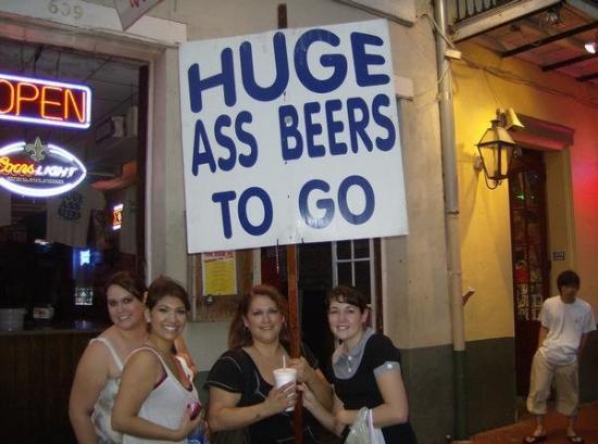 """เฟรนช์ควอเตอร์: """"Huge a** beers"""" on Bourbon St."""