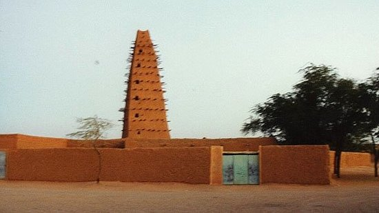 Agadez Grande Mosquee : a very beautiful Mosque located in the town of Agadez, Niger, West Africa. A annual ceremony tak