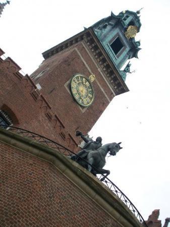 พระราชวังหลวงวาเวล: Wawel Castle, back in Krakow