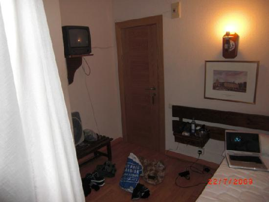 Hostal Real: overview