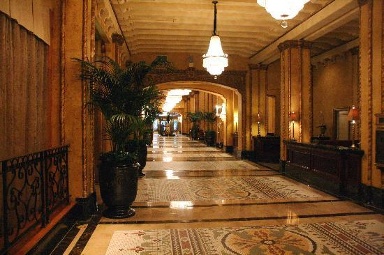 The Roosevelt New Orleans, A Waldorf Astoria Hotel: Part of the beautiful Lobby area that is a block long