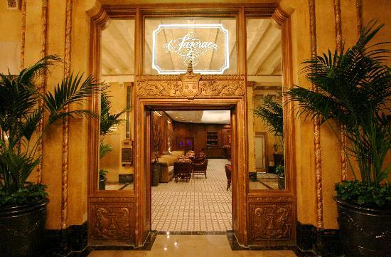 The Roosevelt New Orleans, A Waldorf Astoria Hotel: Sazerac Bar entrance from the Roosevelt Lobby