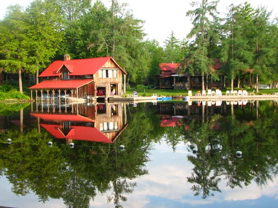 Covewood Lodge: Boathouse