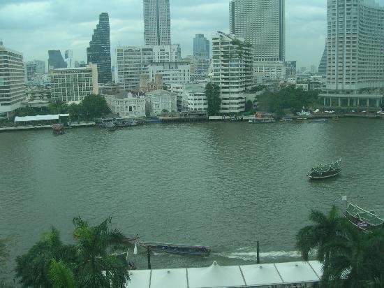 โรงแรมเพนนินซูลา กรุงเทพฯ: Views from the room