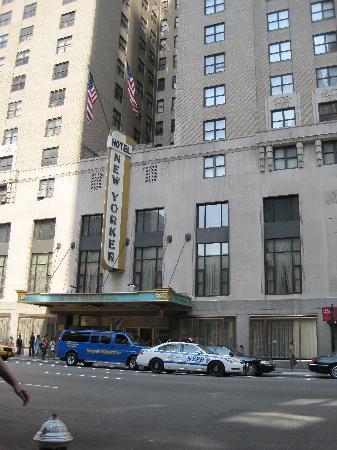 โรงแรมเดอะนิวยอร์คเกอร์: Facade
