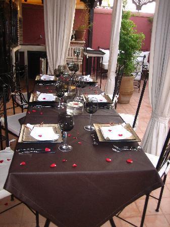 Riad d'Airain Marrakech: table du soir