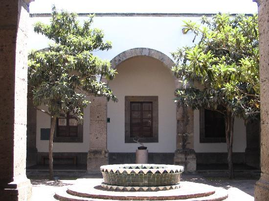Instituto Cultural Cabanas: Courtyard in Hospicio Cabanas