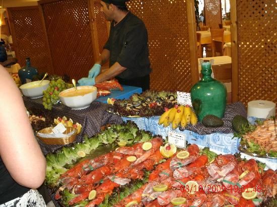 Iberostar Suites Hotel Jardín del Sol: fresh lobster,mussels,prawns!