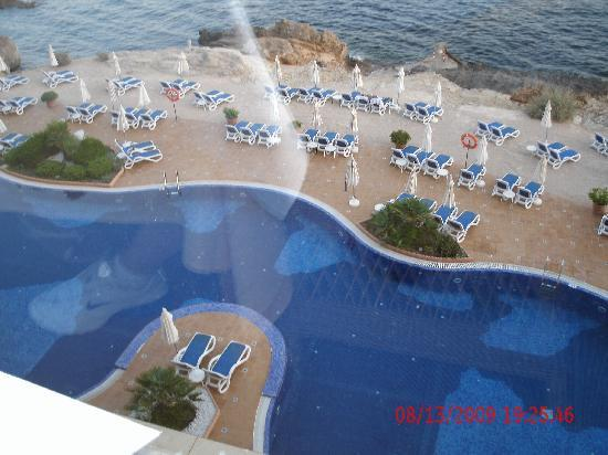 Iberostar Suites Hotel Jardín del Sol: pool view from restaraunt terrace