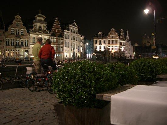 Belga Queen: View towards the Castle