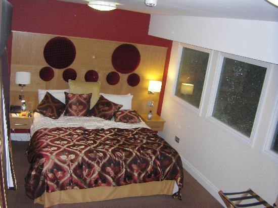 "Lutterworth, UK: The bed in our ""split room"" executive suites"