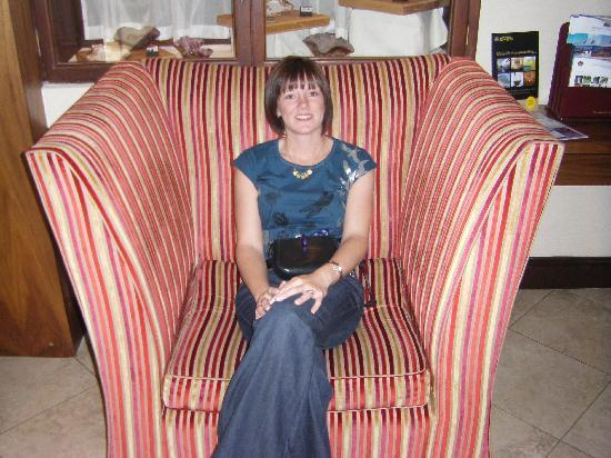 Lutterworth, UK: Huge chair in reception!