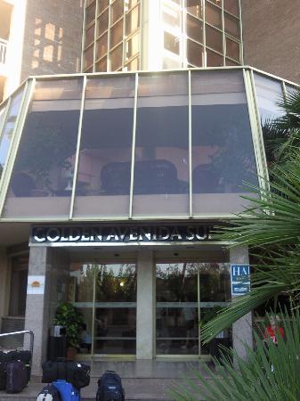 TUI Family Life Avenida Suites: Front of Hotel