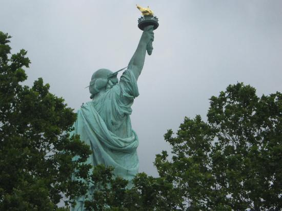 Statue of Liberty: Lady behind Greens