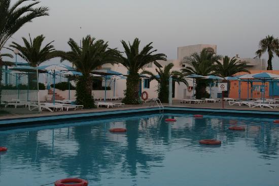 El Mouradi Club Selima: une des piscines