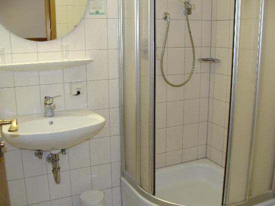 Hotel Gasthof Ochsen: baño