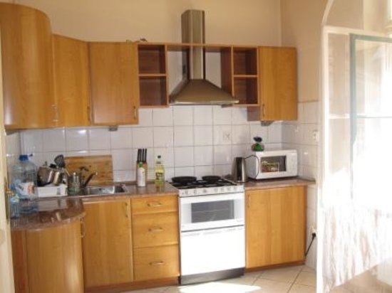 Sodispar Serviced Apartments : Kitchen