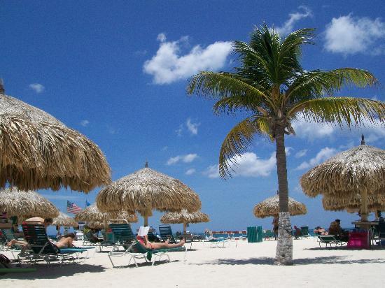 La Cabana Beach Resort Enjoying The Right Across Road