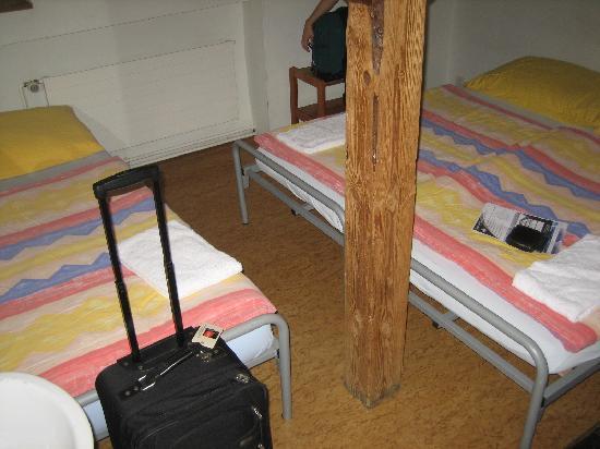 Balmer's Hostel: Attic Room
