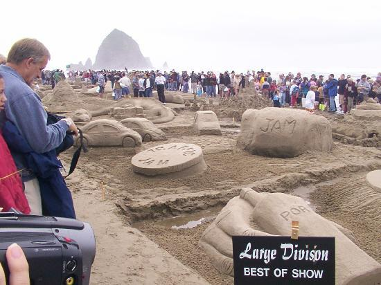 Sea Ranch RV Park & Stables: Sand Castle day!