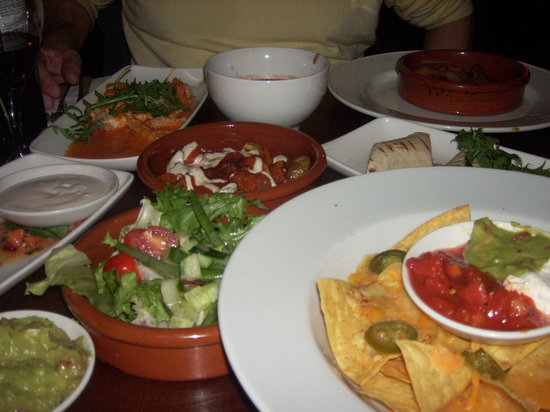 Las Iguanas: Too much food for too little tables :)
