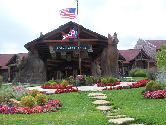 Great Wolf Lodge: Front View