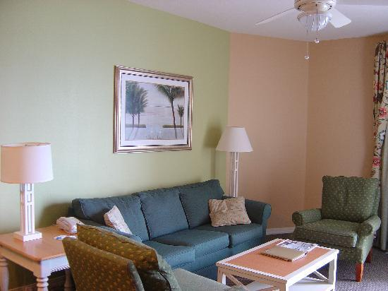 Wyndham Vacation Resorts Majestic Sun: Living room in a 2 bedroom unit