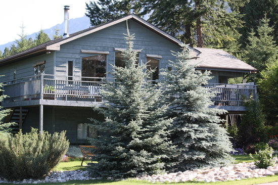 Alpine Meadows Bed & Breakfast: the  home