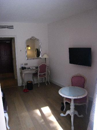Hotel Cour du Corbeau Strasbourg - MGallery Collection: Main Room
