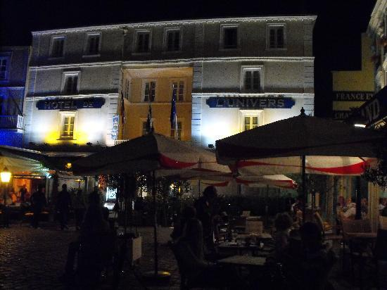 Hotel l'Univers : great at night