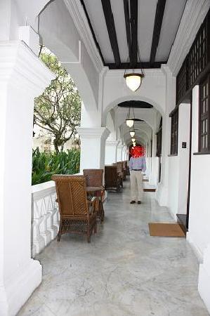 โรงแรมราฟเฟิลส์: 素敵な廊下